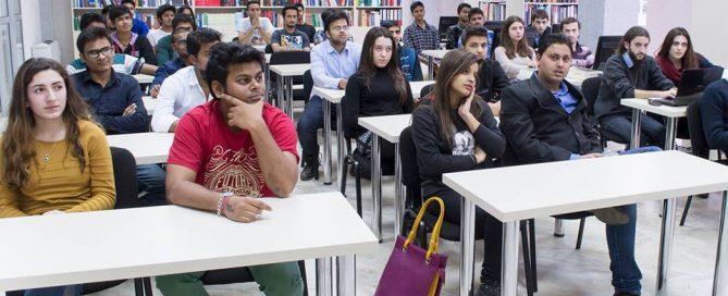 ثبت نام در دانشگاه ها و مدارس گرجستان